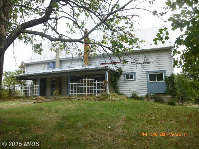 2919 Detour Rd, Great Cacapon, WV 25422