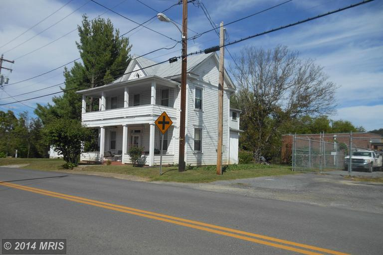 113 Winchester St, Paw Paw, WV 25434