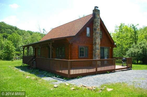 101 Tuscarora Trl, Berkeley Springs, WV 25411