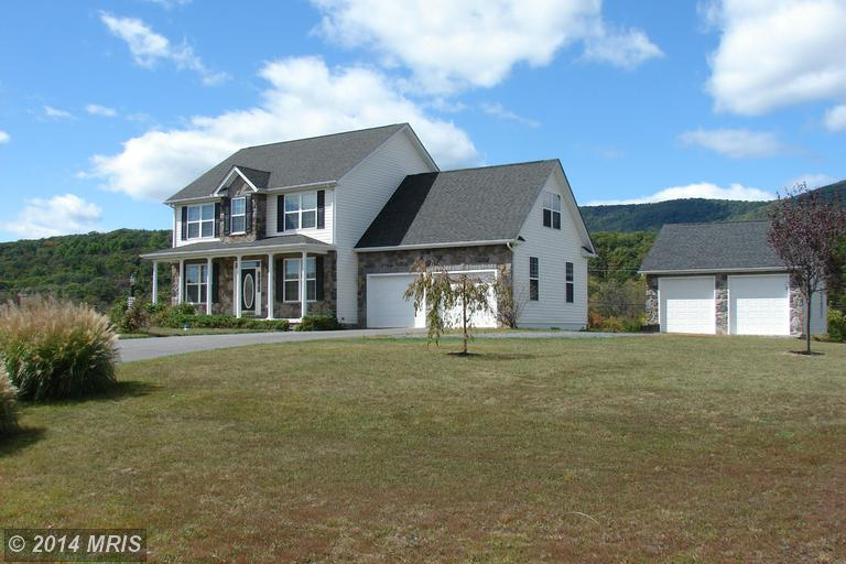 91 Mickey Mantle Ct, Berkeley Springs, WV 25411