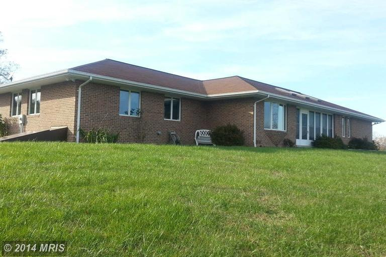 58 Weber Ln, Berkeley Springs, WV 25411
