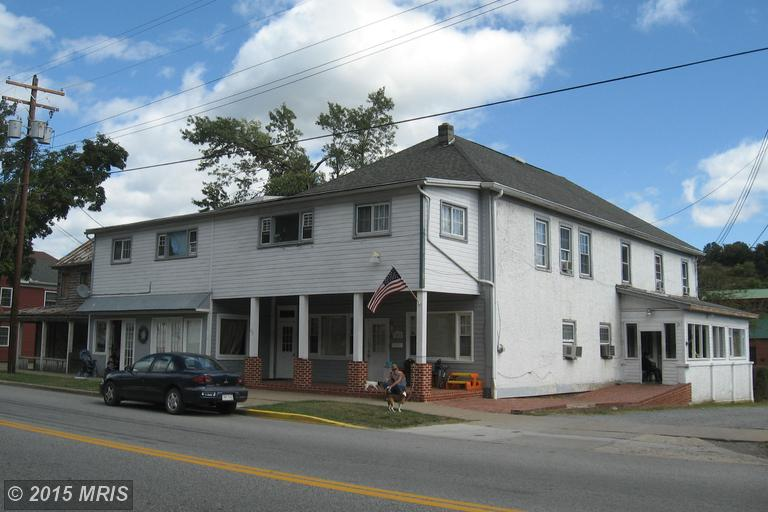 292 N Washington St, Berkeley Springs, WV 25411