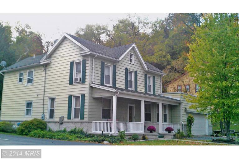 12 Warren St, Berkeley Springs, WV 25411