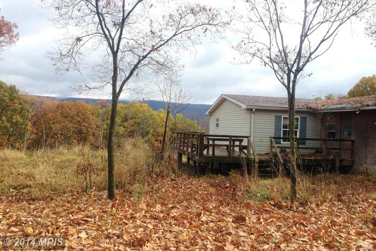 83 Bears Lope Rd, Great Cacapon, WV 25422
