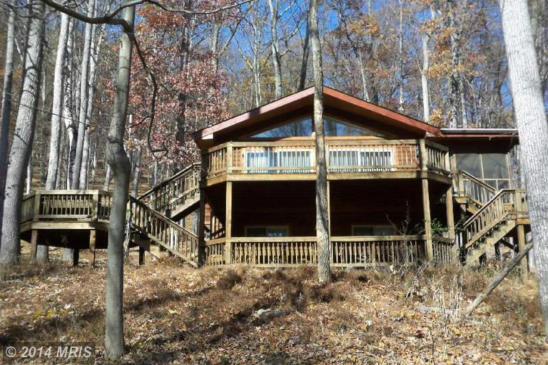 50 Bobcat Dr, Berkeley Springs, WV 25411