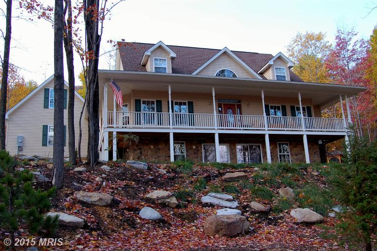 663 Parkside Ter, Berkeley Springs, WV 25411
