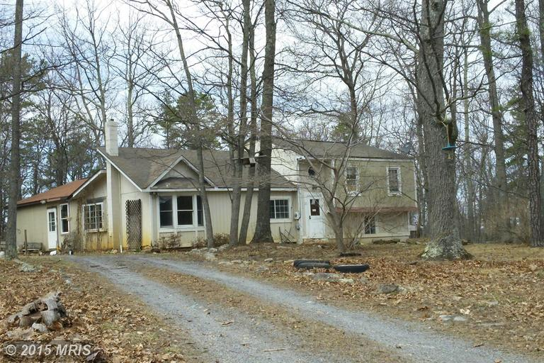 22 Justin Rd, GREAT CACAPON, WV 25422