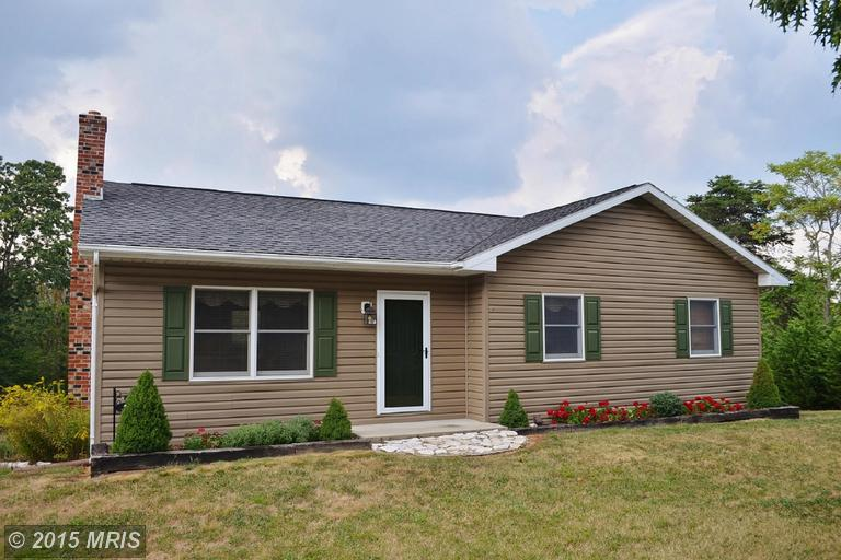 71 Bennett Ln, Berkeley Springs, WV 25411