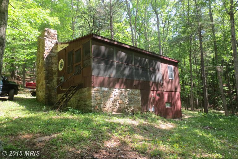 1 Rockford Rd, Great Cacapon, WV 25422