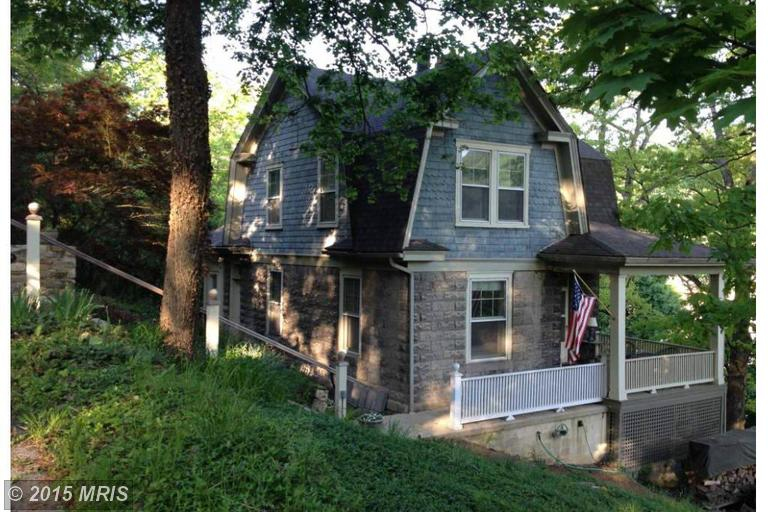 59 Hageman St, Berkeley Springs, WV 25411