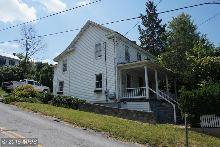 164 Harrison Ave, Berkeley Springs, WV 25411