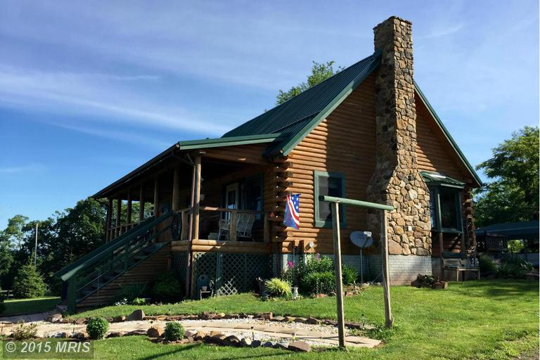 321 Orchard Ln, Paw Paw, WV 25434