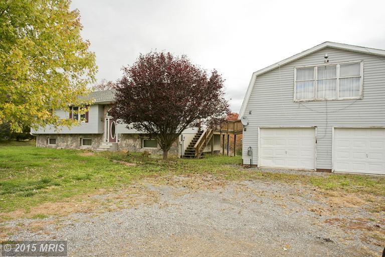 7821 Winchester Grade Rd, Berkeley Springs, WV 25411