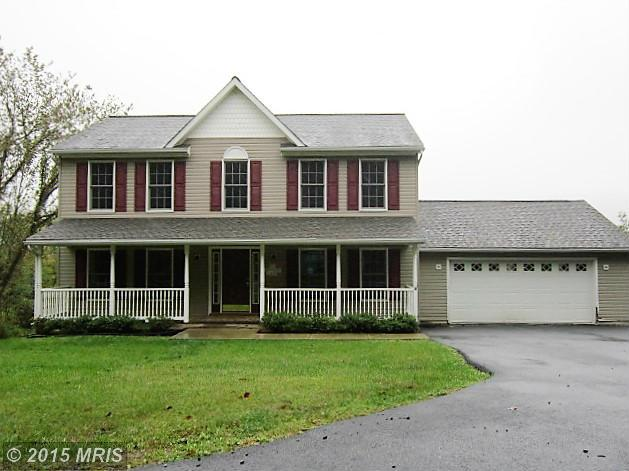 32 Bamboo Ln, Berkeley Springs, WV 25411