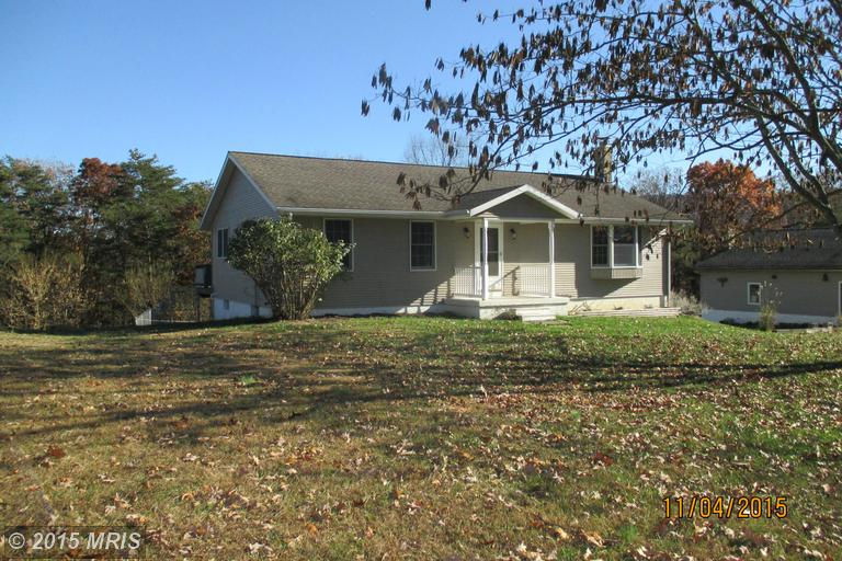 488 Longview Dr, Berkeley Springs, WV 25411