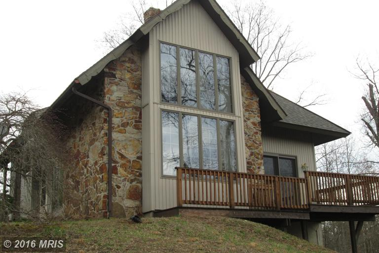 4245 Woodmont Rd, Great Cacapon, WV 25422