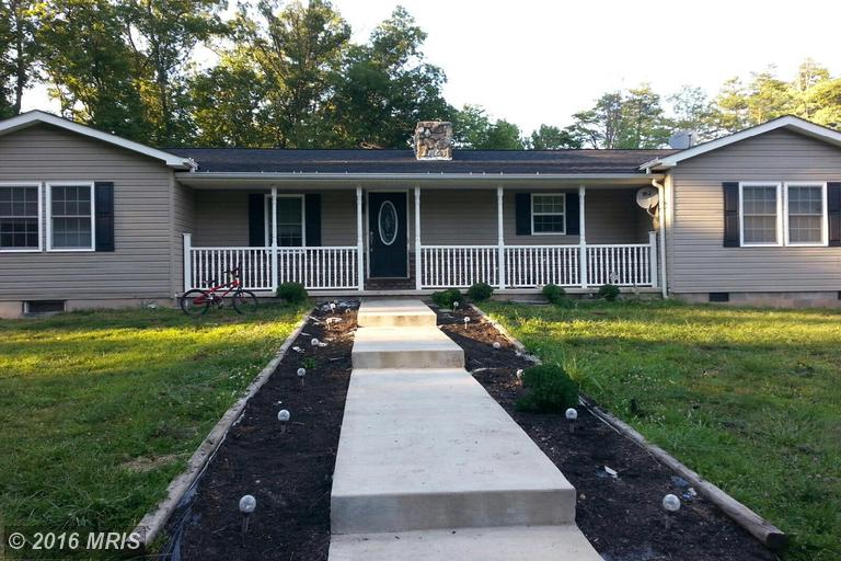 762 Forestview Dr, Berkeley Springs, WV 25411