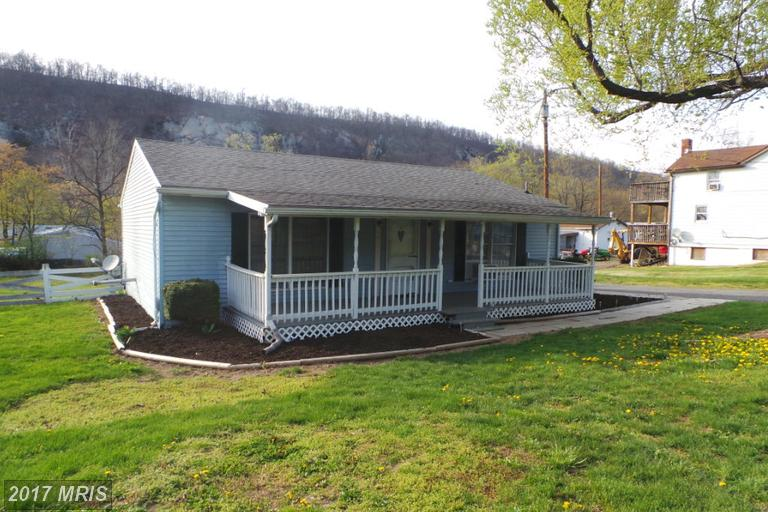 443 Harrison Ave, Berkeley Springs, WV 25411