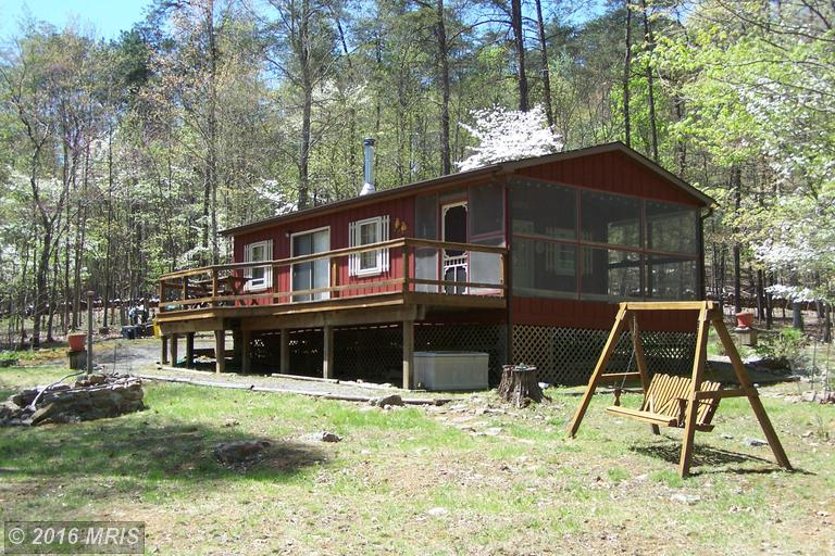 171 Hill Top Rd, Great Cacapon, WV 25422