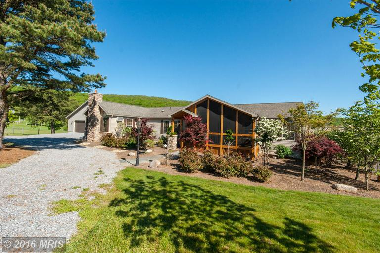 2800 Detour Rd, Great Cacapon, WV 25422