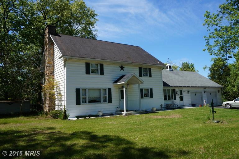 2403 Fairview Dr, Berkeley Springs, WV 25411
