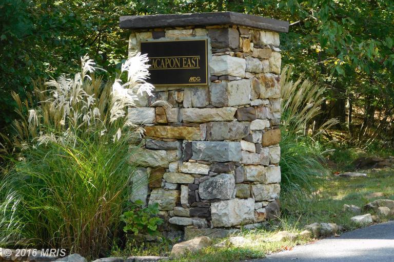 Parkside Ter, Berkeley Springs, WV 25411