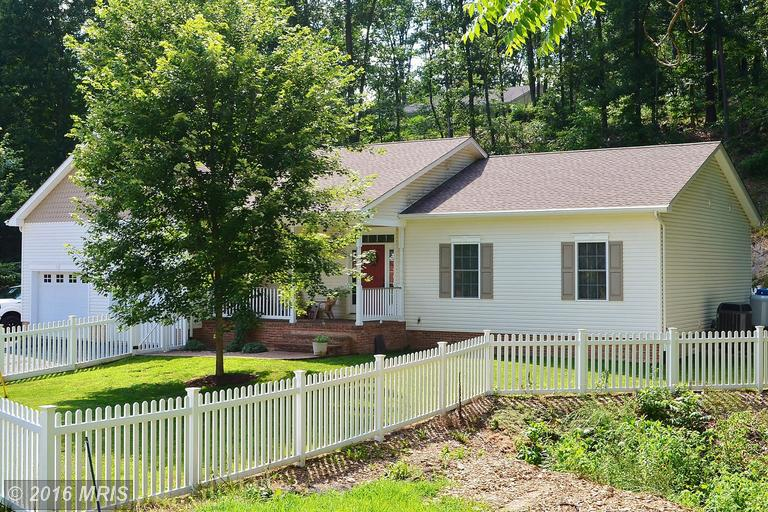 421 Sugar Hollow Rd, Berkeley Springs, WV 25411