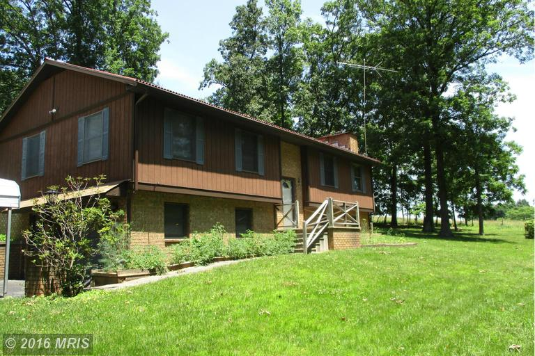 1161 New Hope Rd, Berkeley Springs, WV 25411