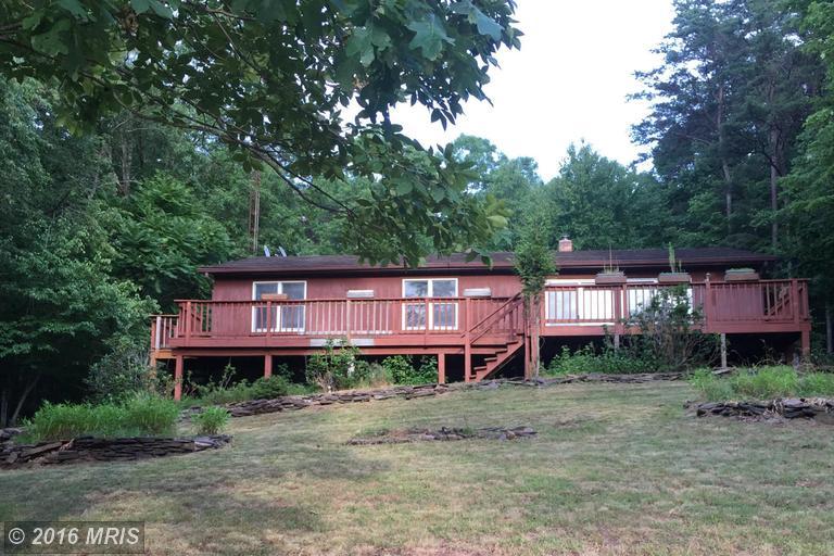 113 Ponds Ct, Berkeley Springs, WV 25411
