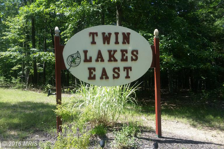 Twin Lakes Dr, Berkeley Springs, WV 25411