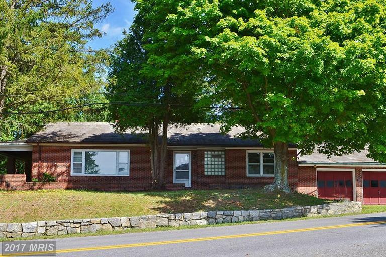 383 Johnsons Mill Rd, Berkeley Springs, WV 25411