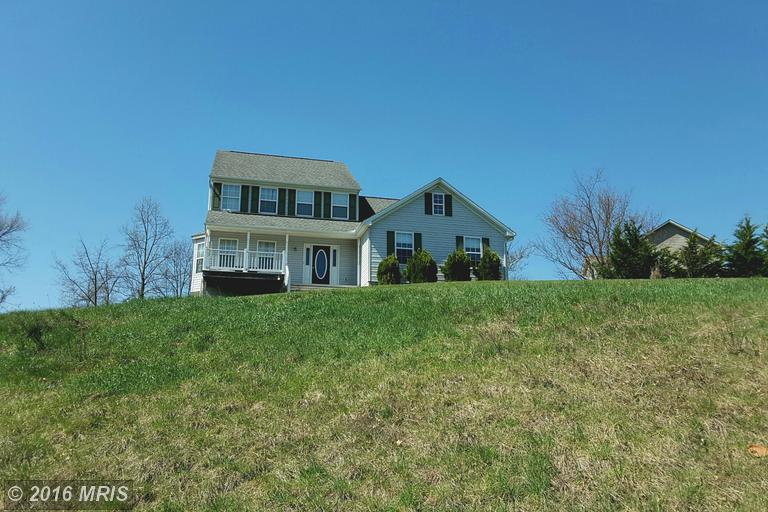 450 Ridgeview Dr, Berkeley Springs, WV 25411