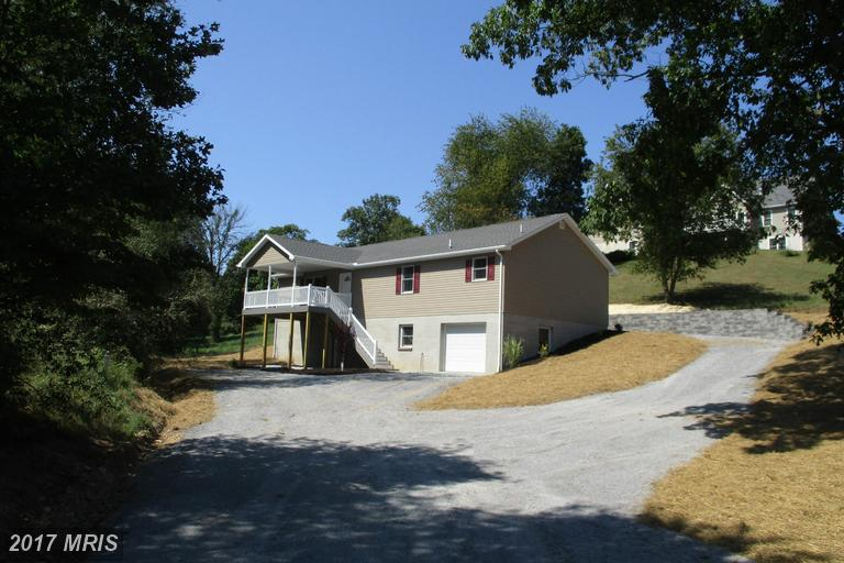 90 Woodbrier Ln, Berkeley Springs, WV 25411