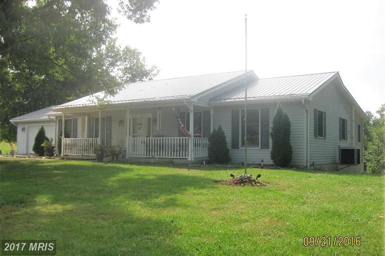 145 Woodside Ln, Berkeley Springs, WV 25411