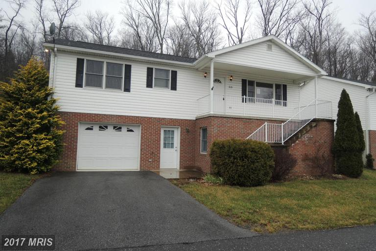 215 United Morgan Cir, Berkeley Springs, WV 25411