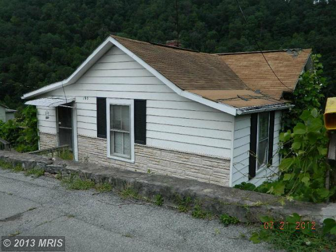 190 CHESTNUT STREET, WELCH, WV 24801