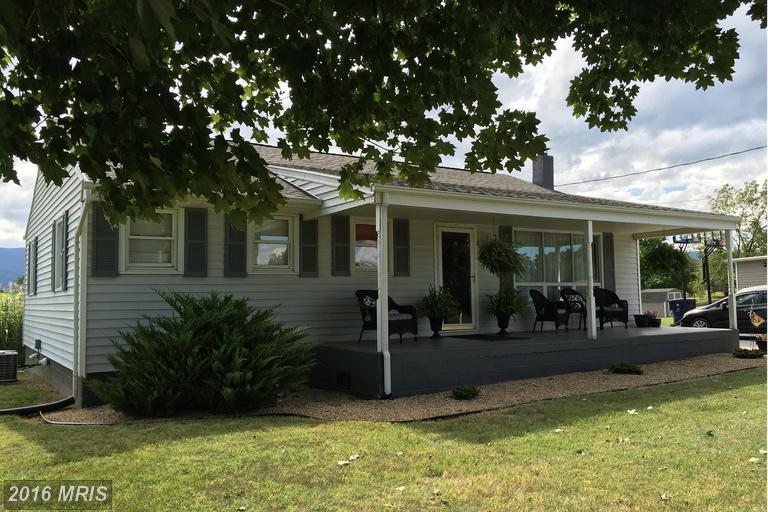 825 Aylor Grubbs Ave, Stanley, VA 22851