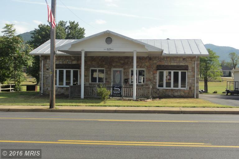 521 W Main St, Stanley, VA 22851