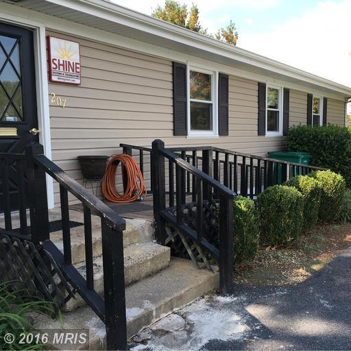 207 Collins Ave, Luray, VA 22835