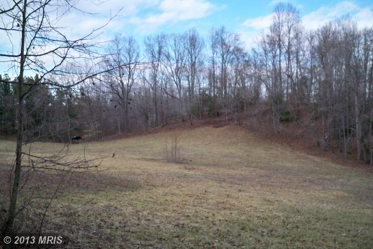 11.38 acres in Aquasco, Maryland