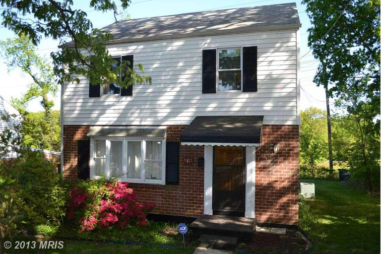 907 Fairview Ave, Takoma Park, MD 20912