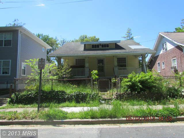 3724 37th St, Mount Rainier, MD 20712