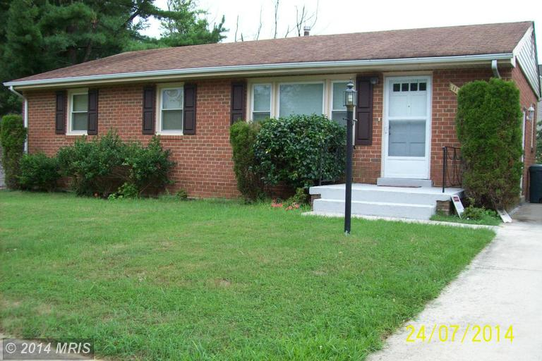One of Clinton 3 Bedroom Split Level Homes for Sale
