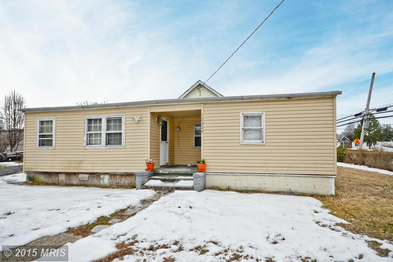 One of Fort Washington 5 Bedroom Homes for Sale