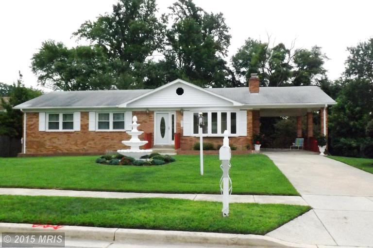One of Clinton 4 Bedroom Split Level Homes for Sale