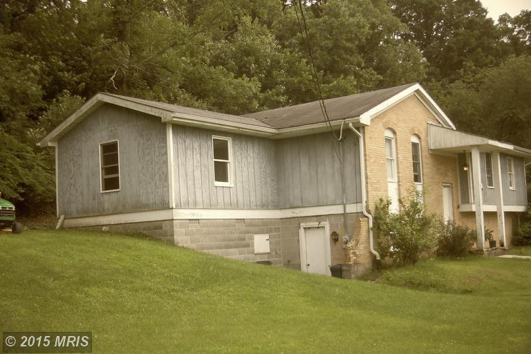 365 Oak Flat Rd, Masontown, WV 26542