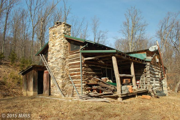 949 Sand Springs Rd, Upper Tract, WV 26866