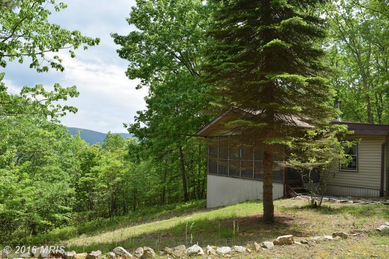 1402 High Valley Dr, Franklin, WV 26807