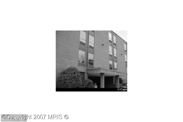 http://photos.listhub.net/MRIS/PW8451300/1?lm=20170322T184915