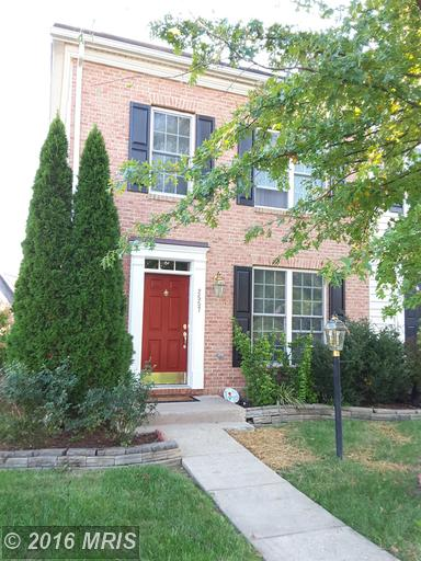 2557 Oak Tree Ln, Woodbridge, VA 22191